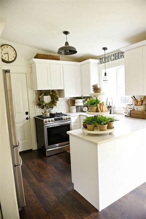 farmhouse style kitchen lighting farmhouse kitchen makeover 7167