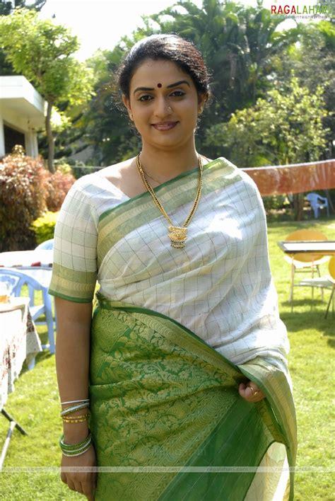 Pavitra Lokesh As Sex Bomb Page 2 Xossip