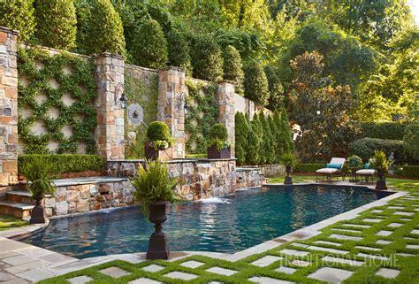 Garden Pool : An English Garden In Alabama