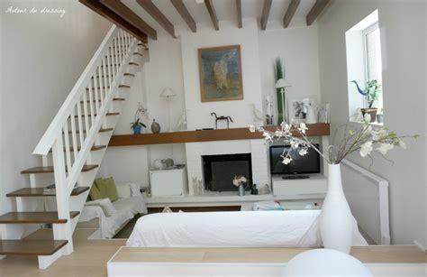 drap pour canapé visite le salon séjour entre shabby chic et design