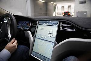 Test-driving The Latest Tesla Model S 70D