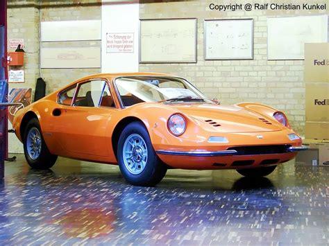"Maserati ghibli ss vs ferrari dino 206 gt. Ferrari ""Dino"" 206 GT Alucoupe - Italien - fotografiert im Meilenwerk Berlin am 09.11.2009 ..."