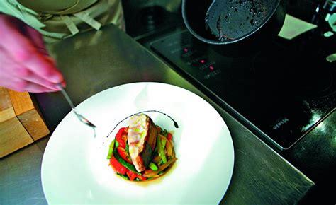 alain ducasse cours de cuisine réduction balsamique par l 39 ecole de cuisine alain ducasse