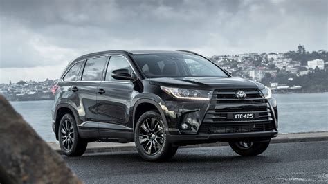 There's plenty of headroom, with enough shoulder room for three adults. Toyota Launches Fashionable Kluger Black Edition   Latest News