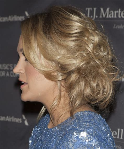 carrie underwood long curly blonde updo  light blonde