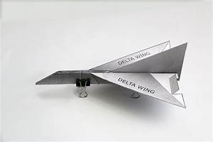Delta Wing Paper Airplane Folding Instructions  Avec Images