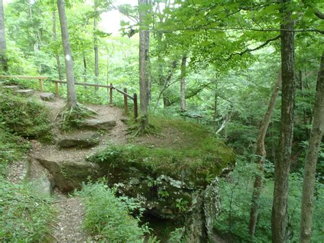Hemlock Cliffs National Scenic Trail