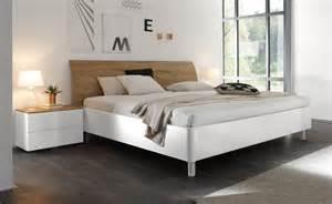 italienische schlafzimmer doppelbett weiß hochglanz eiche natur tambio28 designermöbel moderne möbel owl