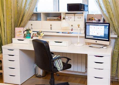 bureau blanc et noir aménagement bureau à la maison conseils à envisager