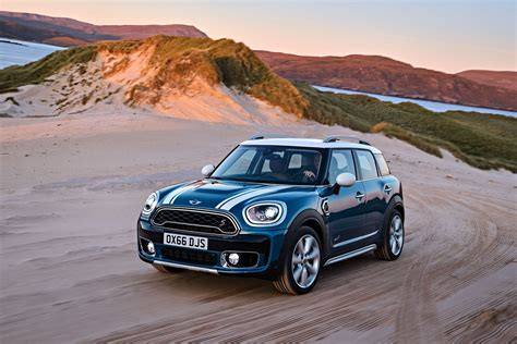2017 MINI Countryman Revealed, Is 20 CM Longer and Easier ...