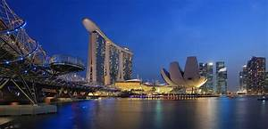 Things To Do in Singapore: Beaches, Shopping & History