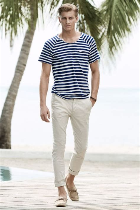 45 Hot Beach Outfit For Men to Follow in 2016
