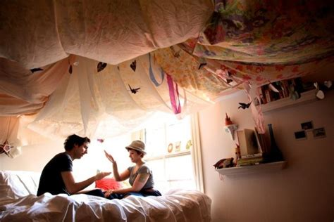 How To Drape A Ceiling With Fabric - draping ceiling fabric light ideas