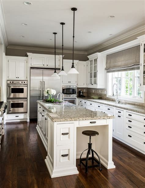15 Heartwarming Traditional Kitchen Designs You Can Apply
