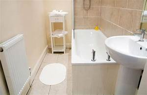 The best colors to paint a beige tiled bathroom good for Good housekeeping bathrooms