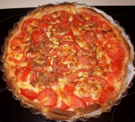 cuisiner la mozzarella recette de tarte à la tomate et au fromage la recette facile