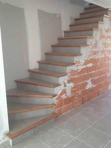 Tapisser Avec 2 Papiers Differents : l escalier b ton carrel est un escalier fini avec nez de marche en bois il s adapte ~ Nature-et-papiers.com Idées de Décoration