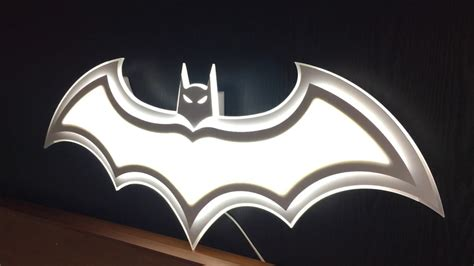 batman ceiling light but on wall