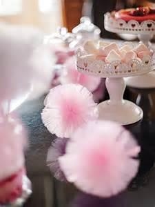 tulle mariage la boule pompon en tulle 30 cm bar bar à bonbons