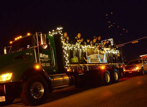 nederland christmas parade beaumont enterprise