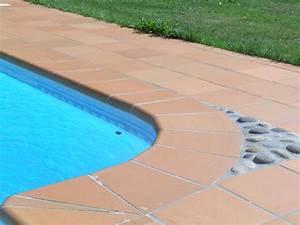 Margelle Piscine Grise : margelle piscine margelle en terre cuite belle piscine ~ Melissatoandfro.com Idées de Décoration