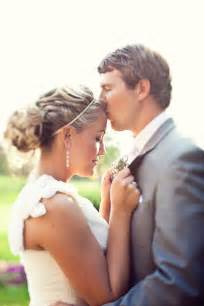 wedding photo poses real weddings w 39 s poses diy decorations advice