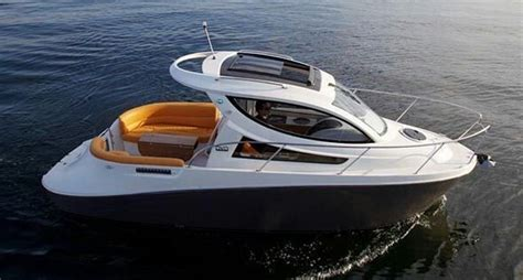 Owning A Small Motor Boat by Best 25 Small Yachts Ideas On Yachts Yachts