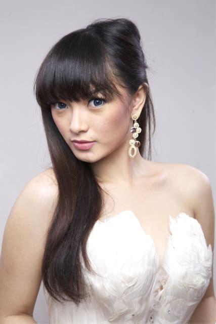 foto hot zaskia gotik ~ toket artis indonesia