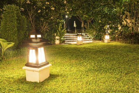Design Solarleuchten Garten by Unique Garden Decor Ideas For A Truly Scenic Landscape