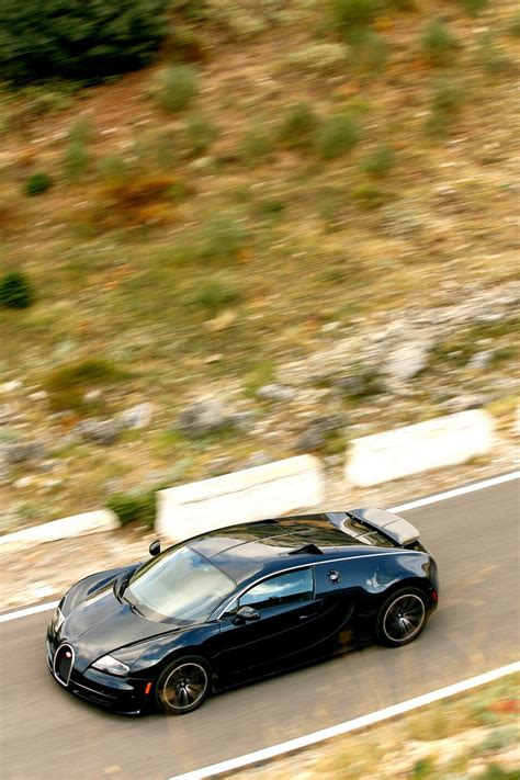 The veyron super sport has 1200 horsepower and goes 258 mph. 2011 Bugatti Veyron 16.4 Super Sport Gallery 384687 | Top ...