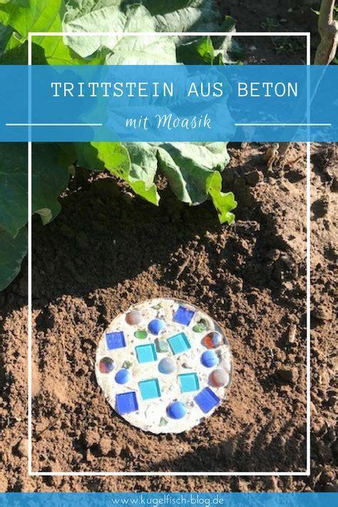 Bunte Trittsteine Fuer Den Garten Herstellen Mit Mosaik Steinchen Und Beton by Diy Trittsteine Aus Beton F 252 R Den Garten Kreativ