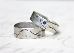 rustic wedding bands rustic mountain wedding band ring set by peacesofindigo on etsy