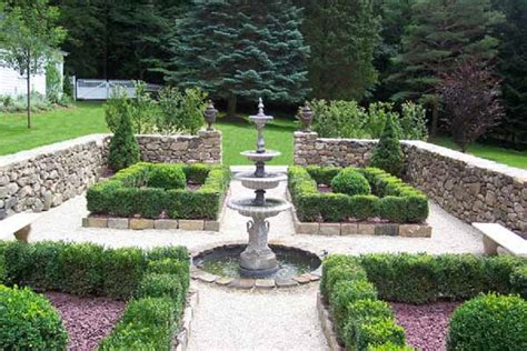 main characteristics  formal garden design