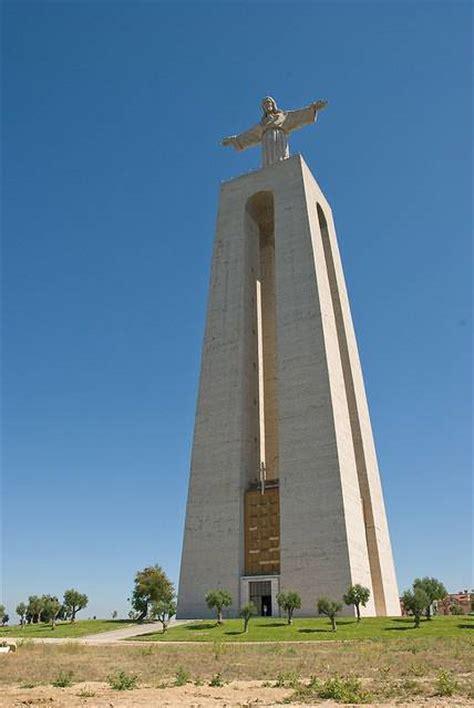 monumento  cristo rei practical information