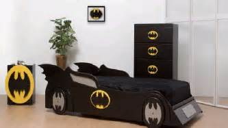 bedroom batman and spiderman inspired bedroom decorating
