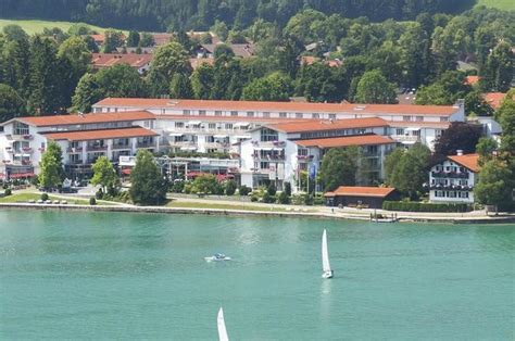 Althoff Seehotel Überfahrt Tegernsee Suite  Picture Of. Jadro Apartments. Changbaishan Jinshuihe International Hotel. Hacienda Zorita Hotel. Gehua New Century Hotel. Heartland Lodge. The Owners Cottage At Grande Provence Heritage Estate. China National Convention Center Grand Hotel. Precise Quedlinburger Stadtschloss Hotel
