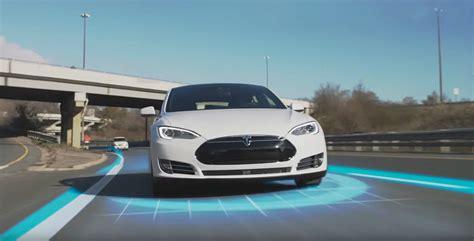 auto pežot tesla autopilot promo shows what it can do for your commute