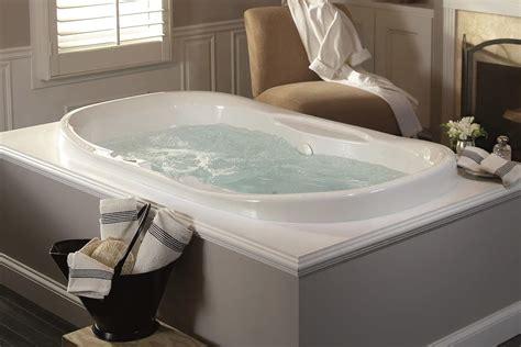 Jets For Bathtubs by Air Jet Vs Water Jet Bathtubs Bathtub Ideas