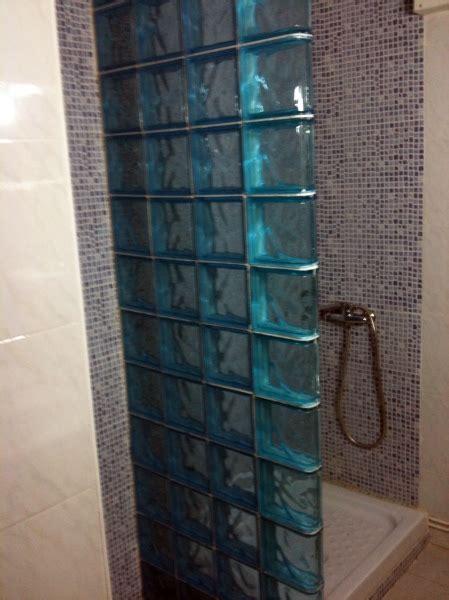 foto pared paves ducha de servicios  mantenimientos