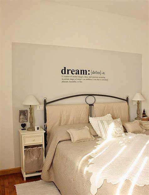 scritte decorative  camera da letto ecco  idee