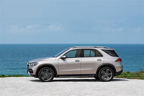 Mercedes BenzCar : Mercedes-benz E-active Body Control Overview