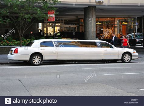 stretchlimousine new york stretched limousines stock photos stretched limousines