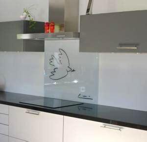 comment fixer une cr馘ence de cuisine comment fixer une crdence en verre top fixer une sur de poser une credence de cuisine