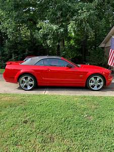 5th gen red 2006 Ford Mustang GT convertible V8 For Sale - MustangCarPlace