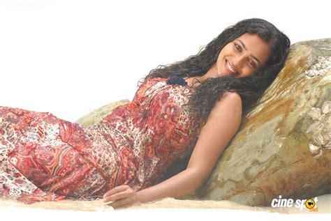 Nithya Menon Hot Navel And Ass Page 2 Xossip