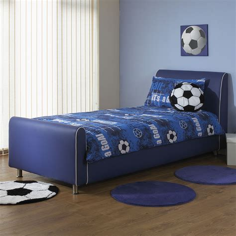 how to choose bedding for the guest bedroom must be carefully thought about so as not to clash colors if the walls in the bedroom are painted a pale selecting the right boys beds furnitureanddecors com decor