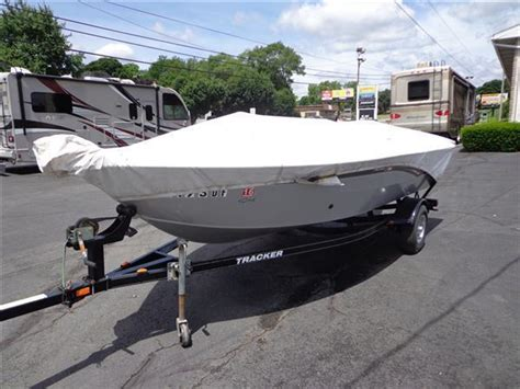 Boat Bumpers Bass Pro by 10 Bass Tracker Pro Guide 16 Bass Boat 50hp Mercury