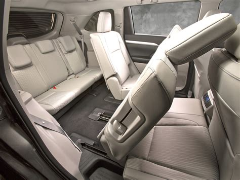 2014 Toyota Highlander Captains Chairs by Toyota Highlander With Captains Chairs Autos Post