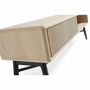 meuble tv dadox avec glissement des pieds en metal et bois With tapis chambre bébé avec fleur de bach unitaire