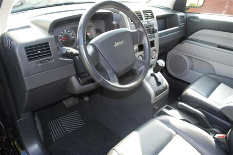 jeep compass limited interior 2007 jeep compass interior pictures cargurus